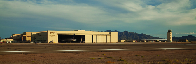 PhoenixGoodyearAirporthasoneofthelargestgeneralaviationrunwaysinthecountry